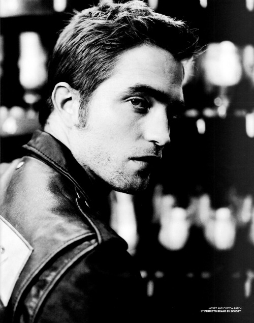 fashion_scans_remastered-robert_pattinson-black_book-september_2012-scanned_by_vampirehorde-hq-5 (1)
