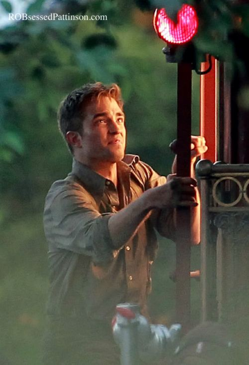 robert_pattinson_train_water_for_elephants1a