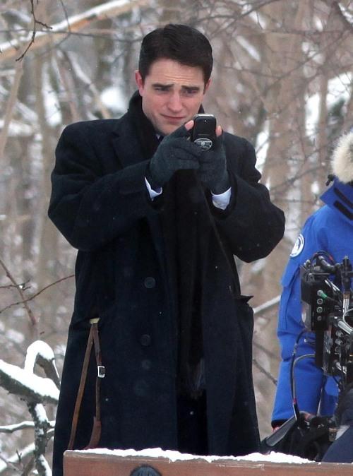 18Feb14 Pattinsonlife Life (1)